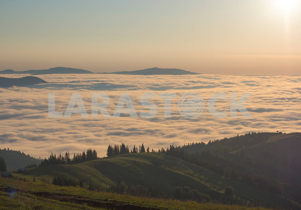 Облака в горах — Изображение 72294