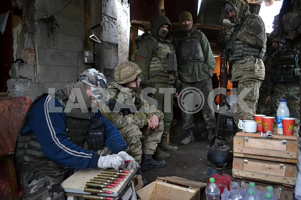 Defenders of the Avdeevskaya industrial zone — Image 38145