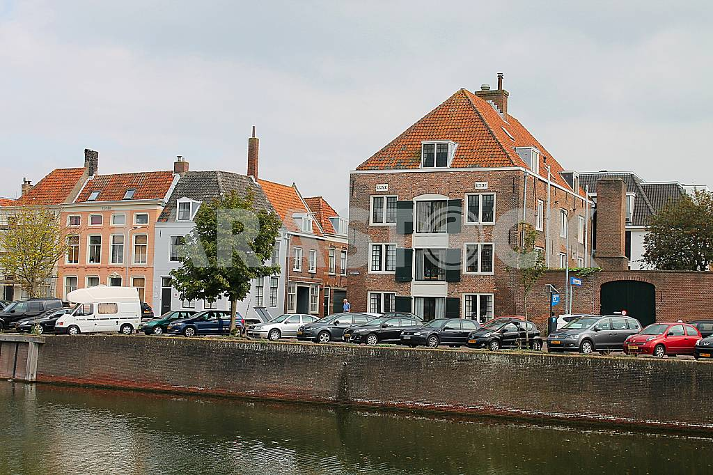 Houses on the waterfront — Image 37955