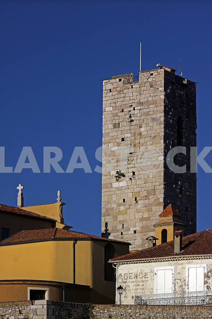 Bell tower near the Cathedral in Antibes, France — Image 69955