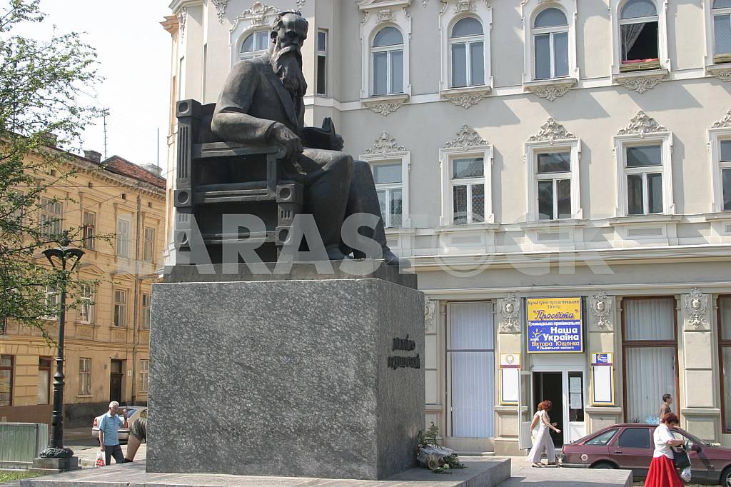 Hrushevsky Monument in Lviv — Image 37255