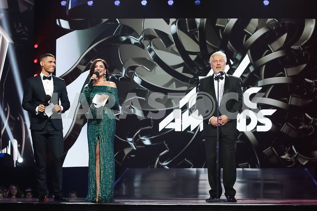 Nikita Dobrynin, Olya Tsybulskaya, Valentin Koval at the awarding ceremony of the M1 Awards 2016 — Image 48785