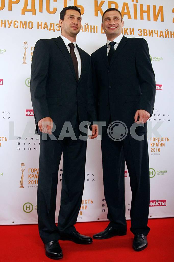 Vitali and Volodymyr Klitschko — Image 34795