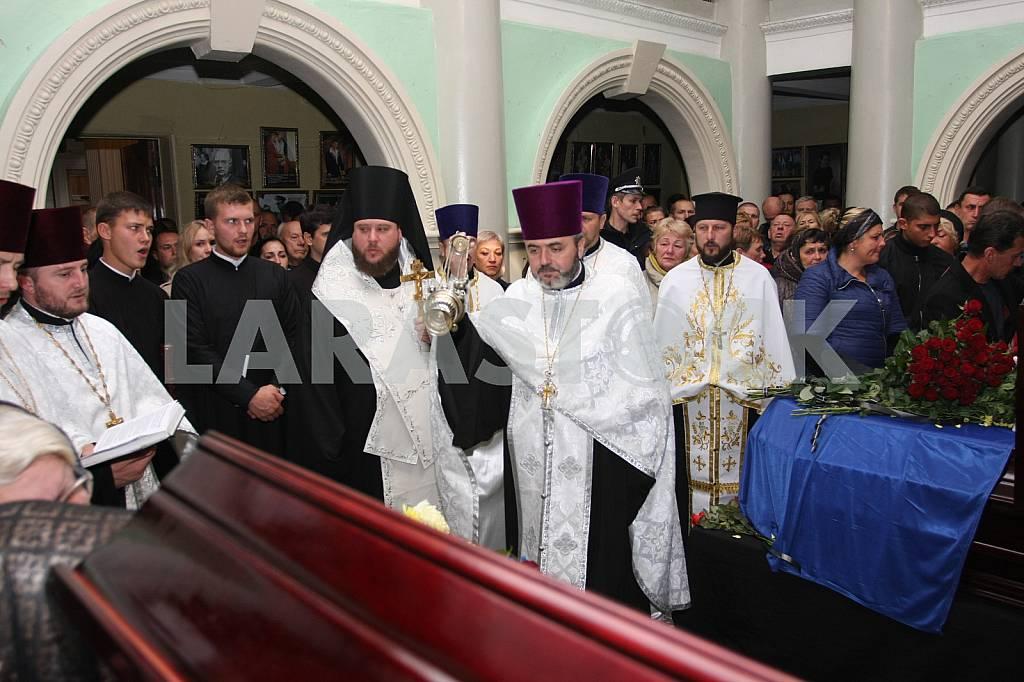 Farewell to the dead policemen Kutusheva Artem and Olga Makarenko — Image 37795