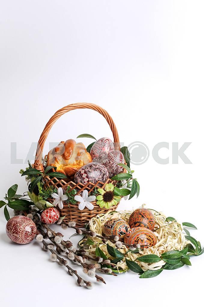 Пасхальные яйца в корзине — Изображение 26806