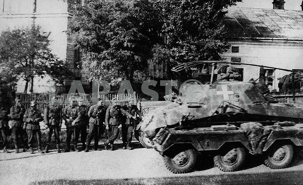 German Hotkiss command armored vehicle — Image 22846