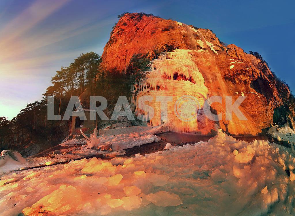 Wuchang-Su - waterfall in Crimea — Image 16256