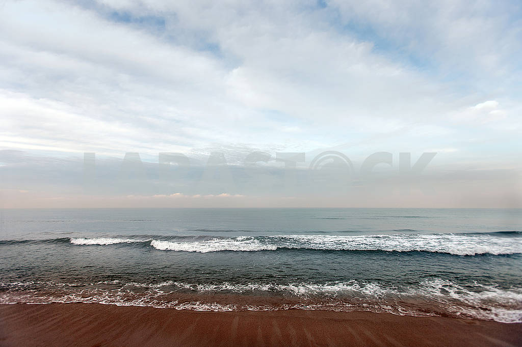 Wave of the sea on the sand beach — Image 64686