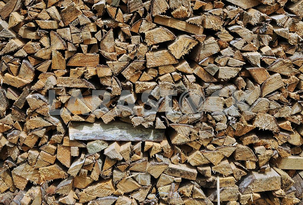 Dry firewood in a pile — Image 25817