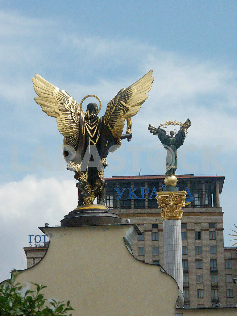 The monuments at the Independence Square — Image 42737
