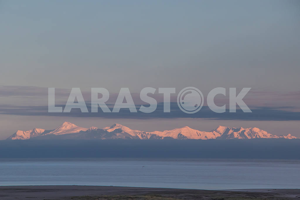 Panoramic view of snow-capped mountains Anchorage, Alaska, USA — Image 33347