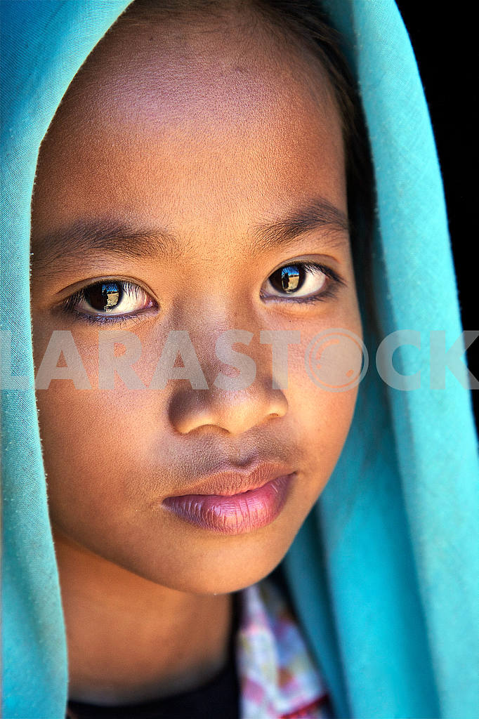 Looking Cambodian girl. — Image 21557