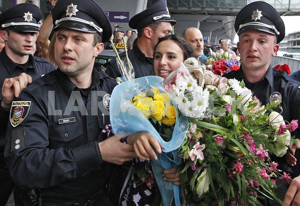 Jamala arrive in Ukraine — Image 29767