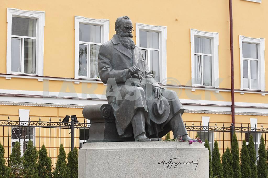 Monument to Mykhailo Hrushevsky in Kiev — Image 37277