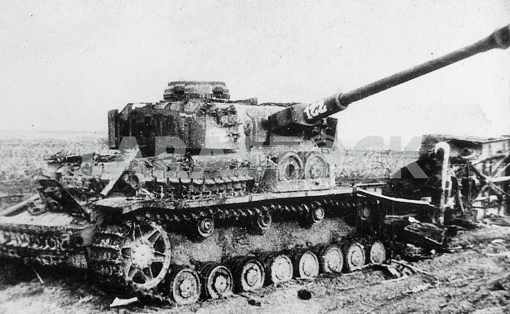 German middle tank T-IV (H) (1944) — Image 22928