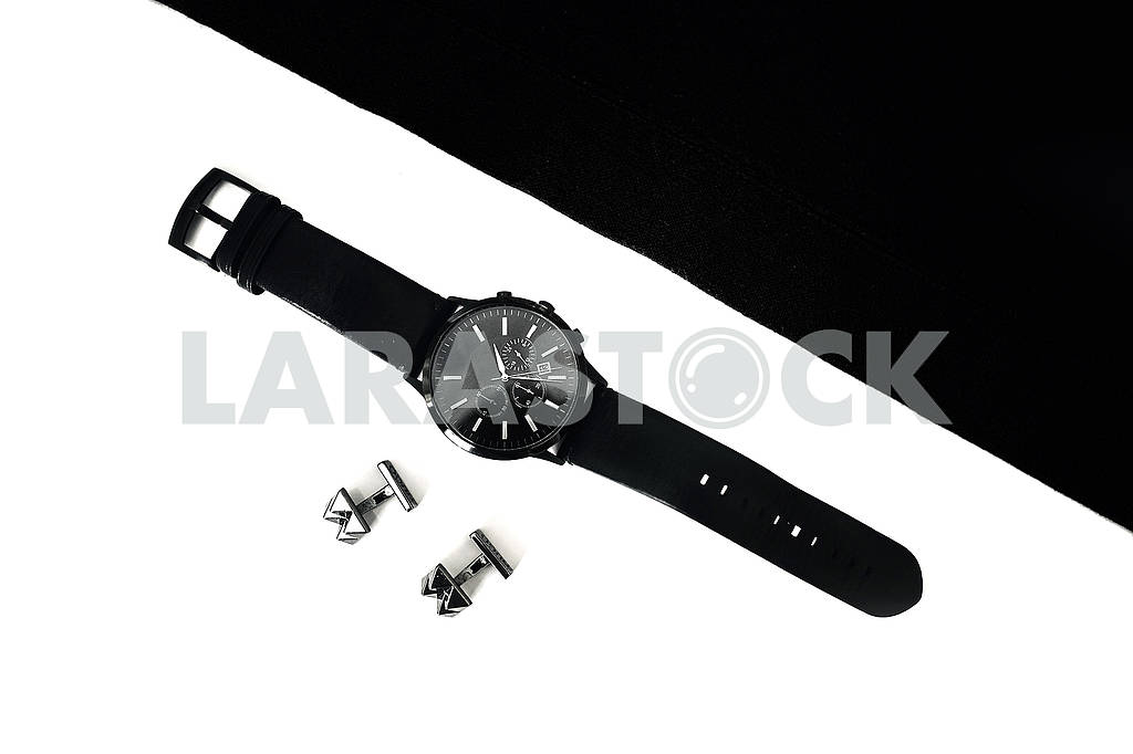 Watches and cufflinks on the table, black and white — Image 80638