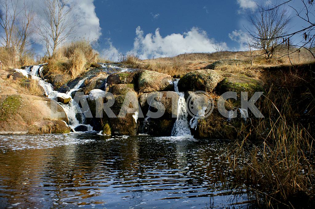 2 Cascades, winter, waterfall, granite boulders — Image 23148