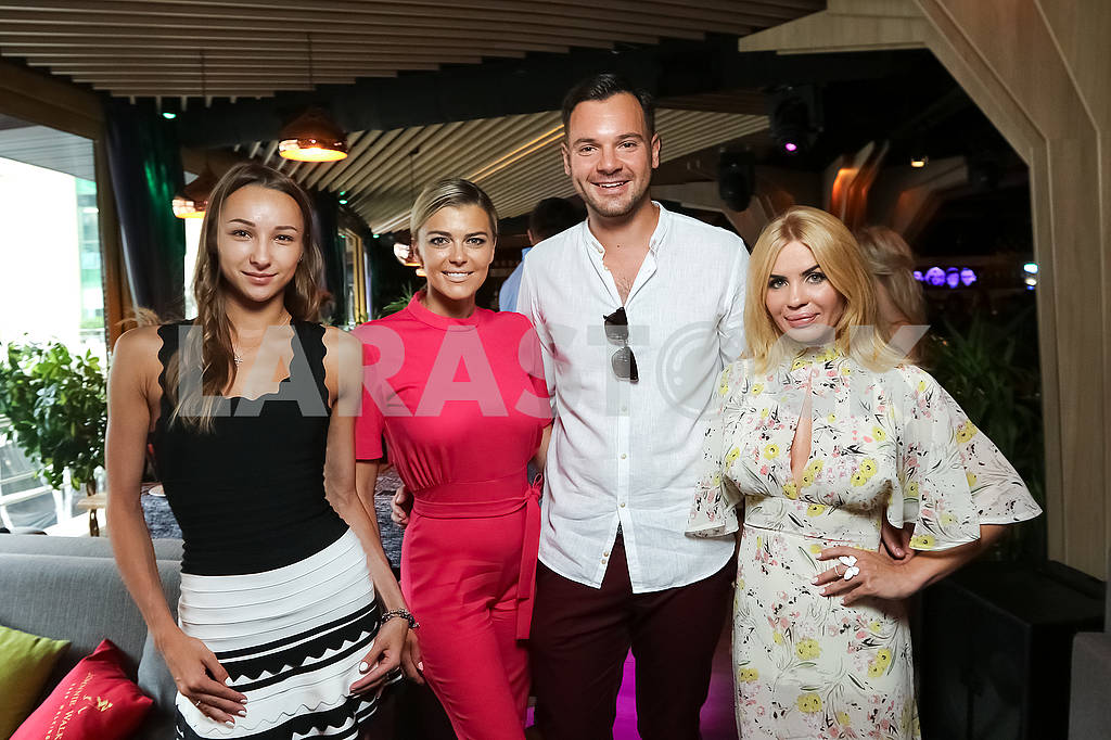 Ukrainian gymnast Victoria Mazur, Irina Blokhina and her husband Alexey Brynzak, Anna Bosaya founder and publisher of the magazine TOUCH — Image 60688