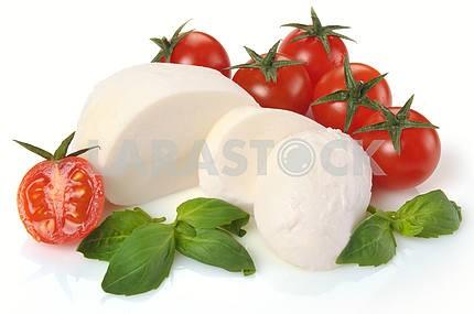 mozzarella cherry tomatoes basil