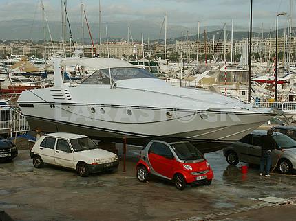Yacht Club on the Croisette