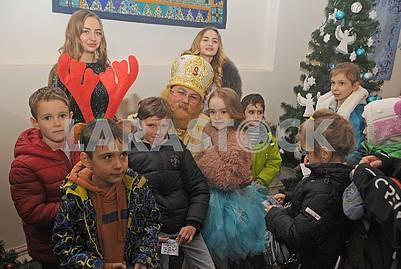 Святой Николай с детьми