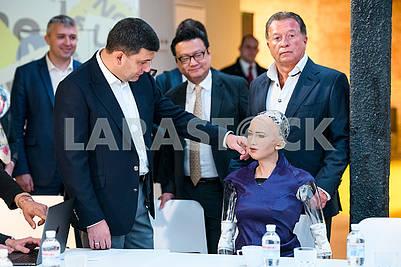 Vladimir Groisman and Robot Sophia