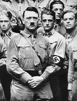 Adulf Hitler and german soldiers.