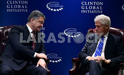 Petro Poroshenko and Bill Clinton