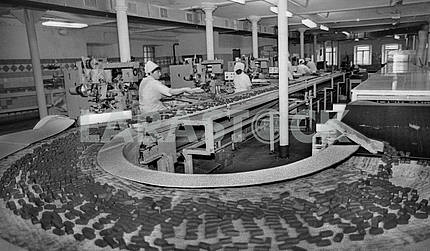 Conveyor line for the production of chocolates in the candy factory Karl Marx in Kiev, 1986