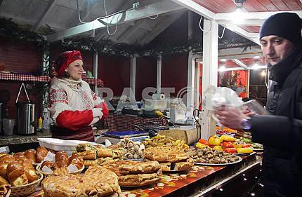 The seller of treats on Mikhailovskaya Square