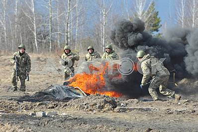 Special Forces exercises on the firing range Barley