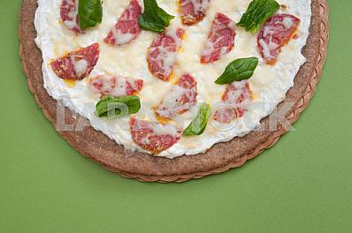 PIZZA DIETARY WITH SALAME
