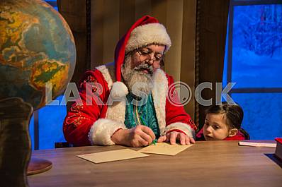Santa Claus postcard signed by a little girl.