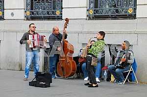 Street musicians in Antwerp