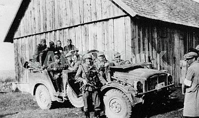 German soldiers in Latill (France) car.