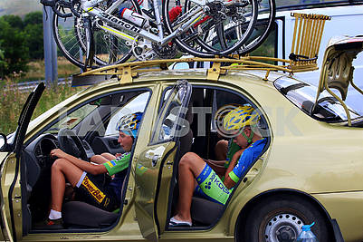 Cyclists in the car