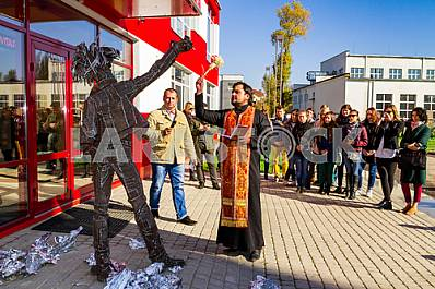 Opening of the monument to Andy Warhol in Uzhgorod