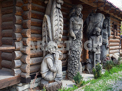 Sculptures of Hutsuls