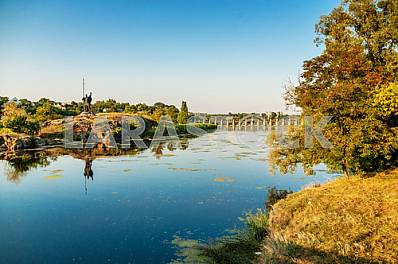 Ros - right tributary of the Dnieper River, one of the most picturesque small rivers of the Kirov region. The river sometimes turbulent and rapidly make its track between the granite slabs that come to the surface