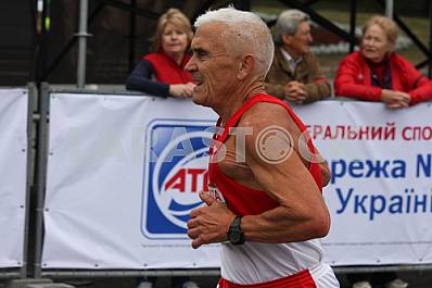 "An elderly man on a ""Dnipro eco marathon"" race"