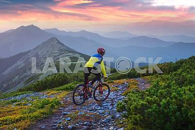 Racer on Mount Synyak