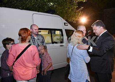 Poroshenko met with the release from captivity
