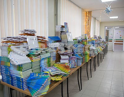 School books in Ukrainian in Volnovakha