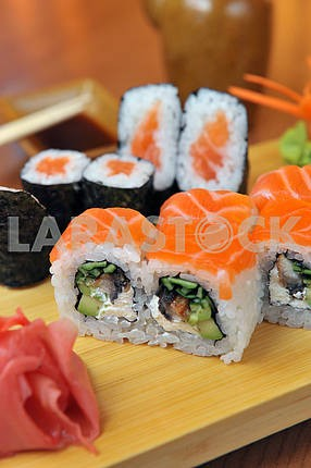 california rolls , maki sushi , japanese food