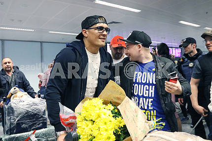 "Meeting of the world champion on the version of WBO heavyweight champion Alexander Usik at the airport ""Borispol"""