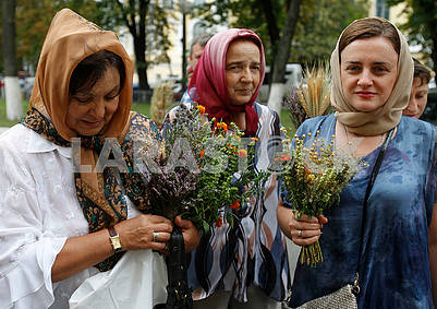 Women with bouquet