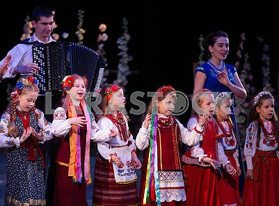 Girls in Ukrainian costumes