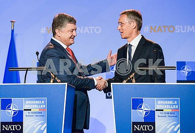 Petro Poroshenko and NATO Secretary General Jens Stoltenberg