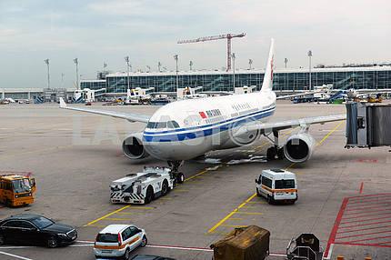 MUNICH, GERMANY, SEPTEMBRE 2014: Lufthansa airbus airplane parke