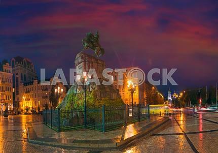 Panorama circular Sophia Square in the evening
